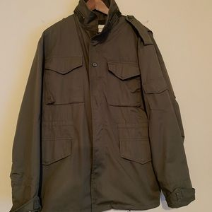 Vintage Men's Large Army jacket.